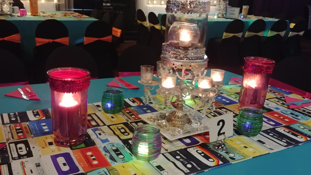 Totally 80's Guest Table Side View