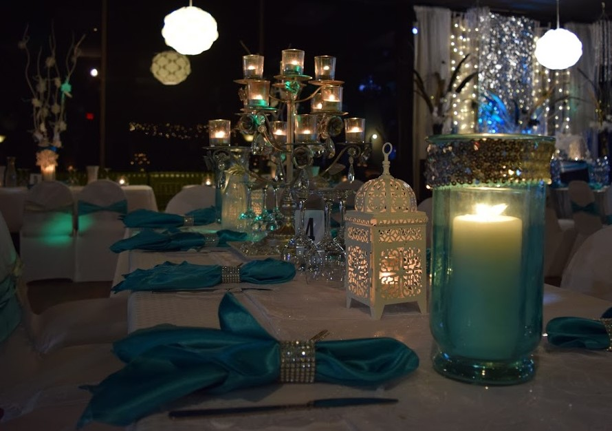 Winter Wonderland Guest Table Close-up